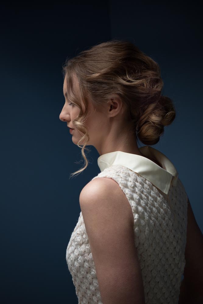 Portret van Iris in de Trappenberg studio van InekeVJ